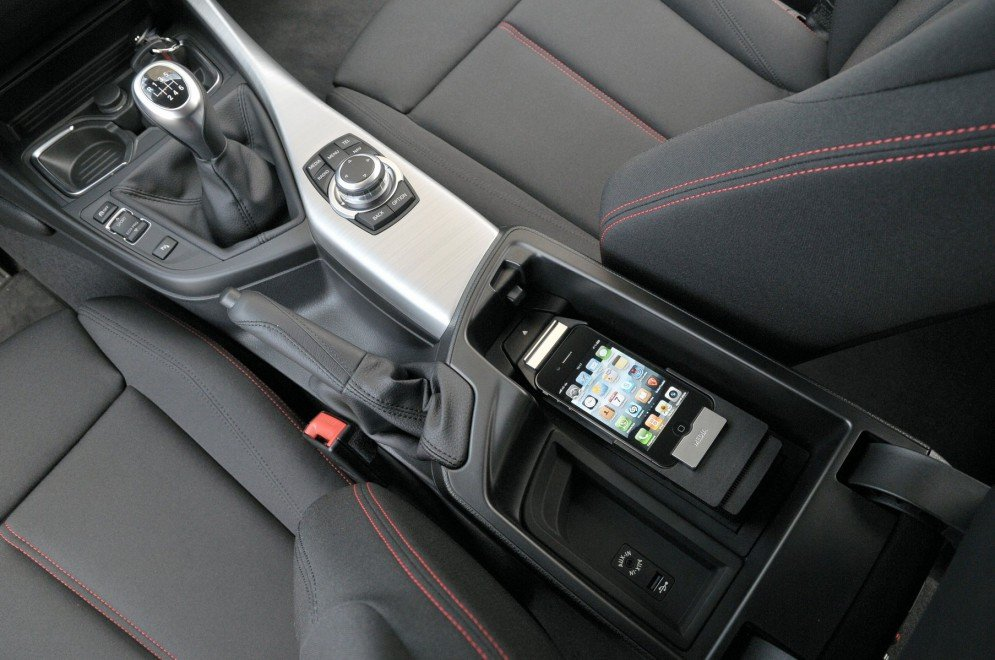 Как к автомагнитоле подключить iphone