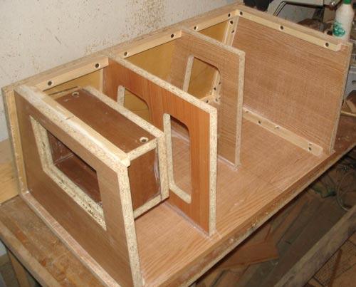 коробок для сабвуфера