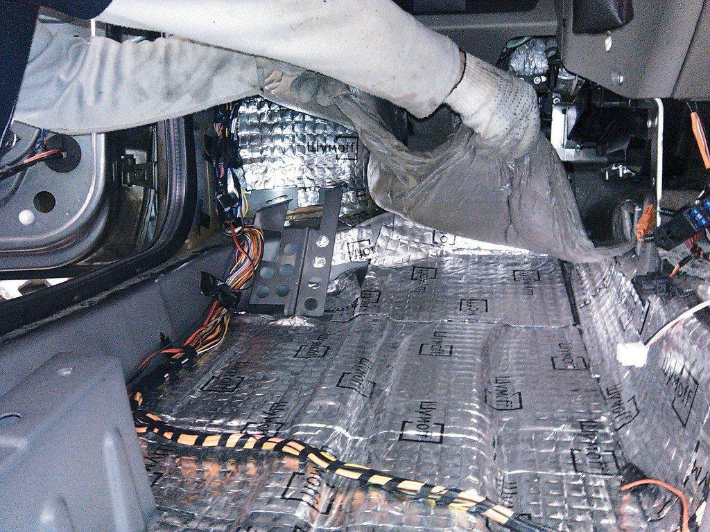 Как сделать шумоизоляцию пола в авто
