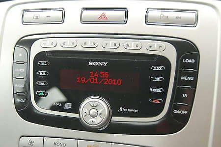 Кнопки на панели автомагнитолы Форд