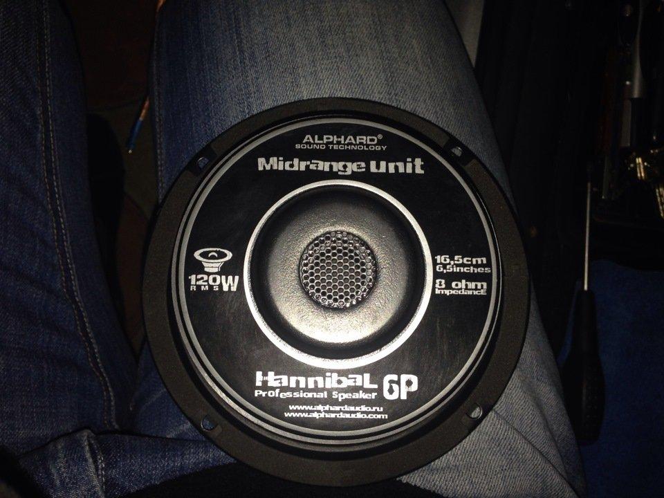 Alphard акустика