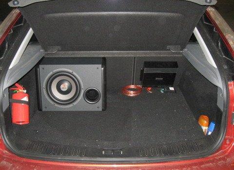 Установка сабвуфера на форд фокус 3