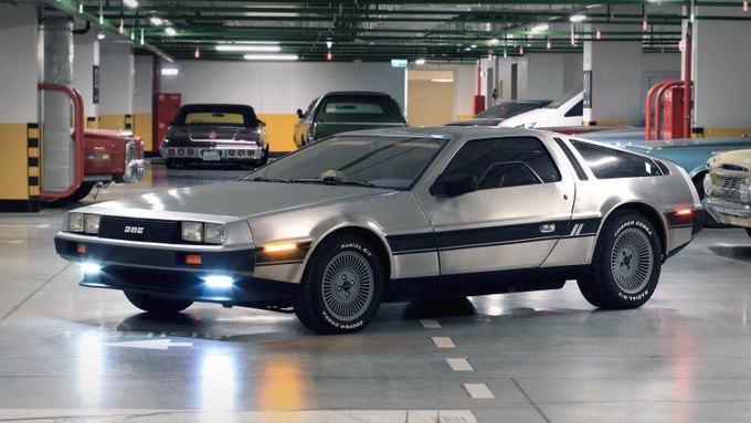 DeLorean — всемирно известная «машина времени» из трилогии фильмов «Назад в будущее»