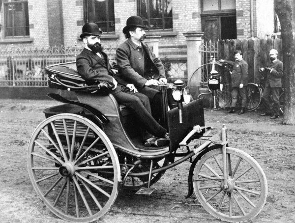 Самый первый автомобиль в мире