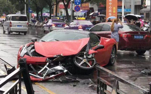 авария Феррари 458
