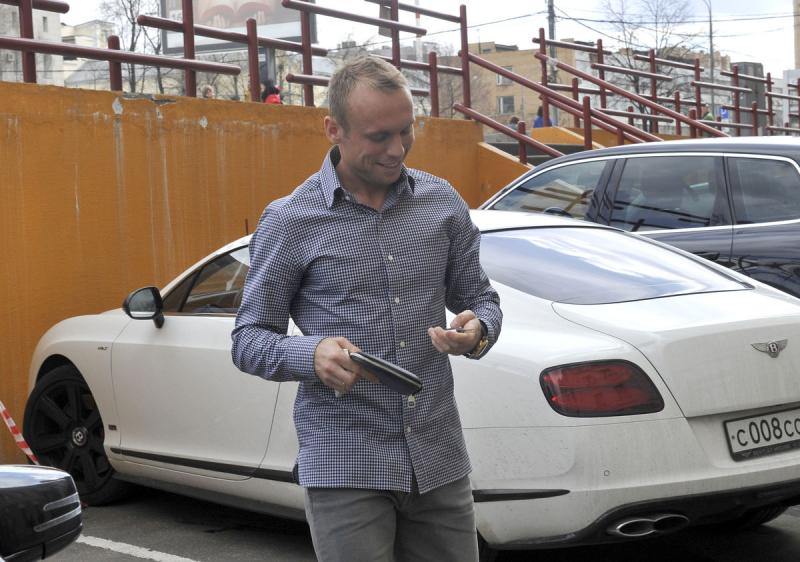 Машина Дениса Глушакова