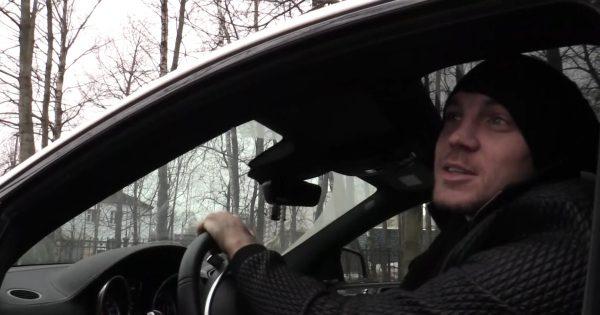 Артем Дзюба в машине