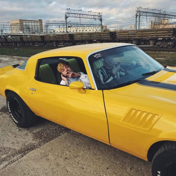 Элджей в Chevrolet Corvette