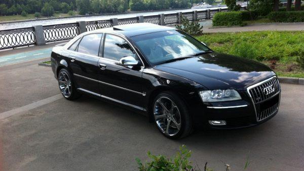 Audi A8 Сергея Светлакова