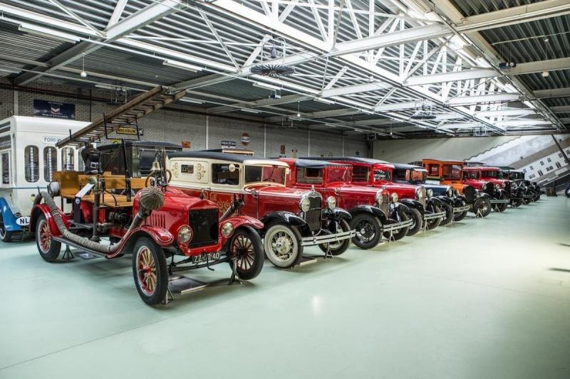 Продана крупнейшая в мире коллекция старых «Фордов»