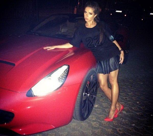 Нюша и Ferrari