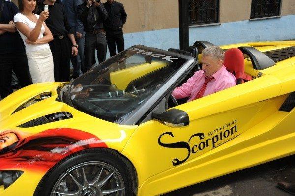 Владимир Жириновский в машине