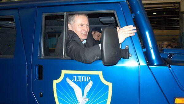 Владимир Жириновский в кабине ГАЗ 2975 «Тигр»