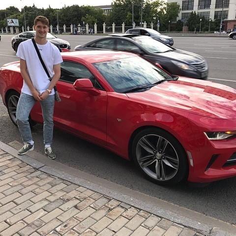 Машина Алексея Миранчука