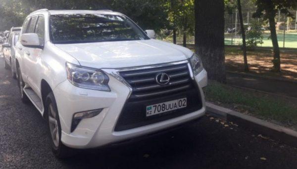 Машина Дениса Тена
