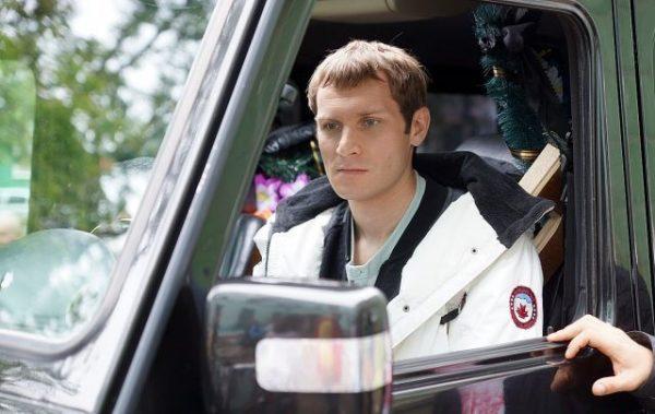 Николай Наумов в машине