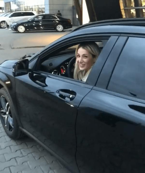 Тата Блюменкранц в машине