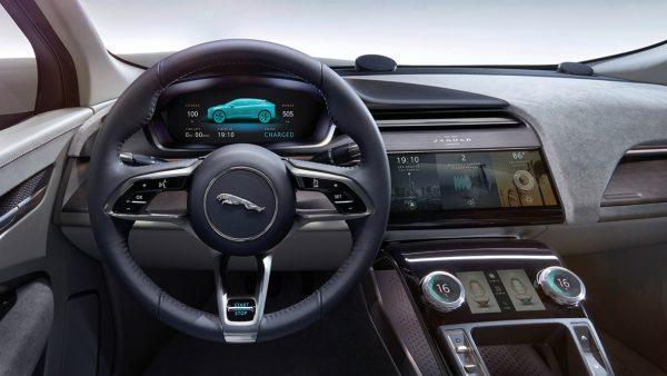 Салон Ягуара i-Pace EV400