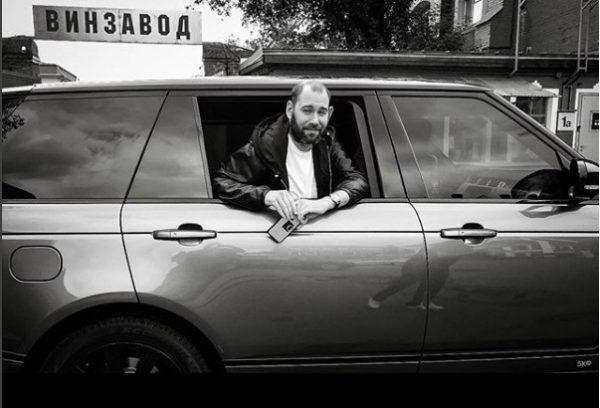 Семён Слепаков на своем авто