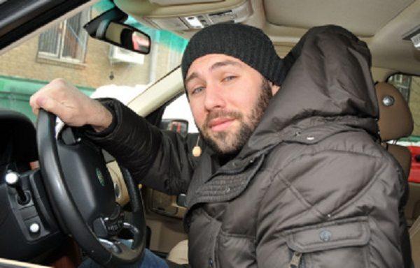 Семён в своем Land Rover