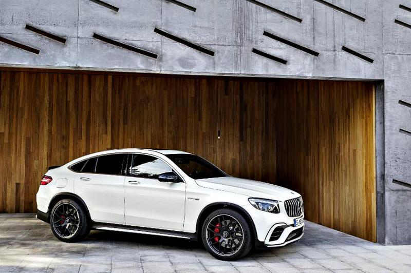 На дороги вышли новые кроссоверы Mercedes-AMG