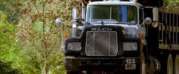 Mack R-Series