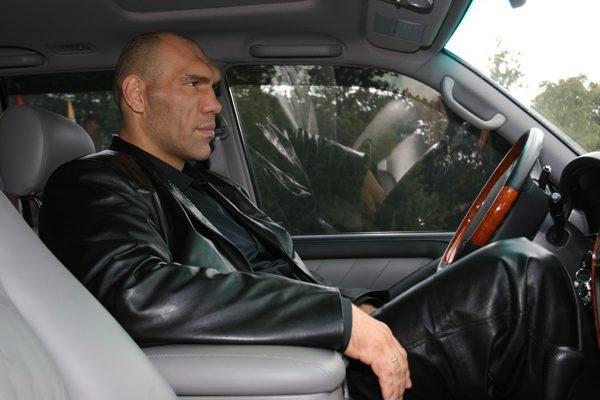 Машина у Валуева