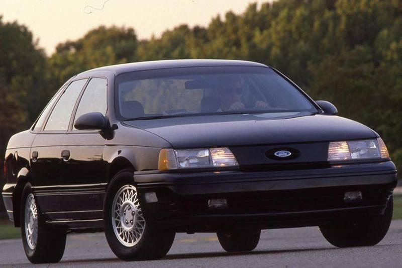 Машина из фильма «Робокоп»: Ford Taurus в качестве автомобиля будущего