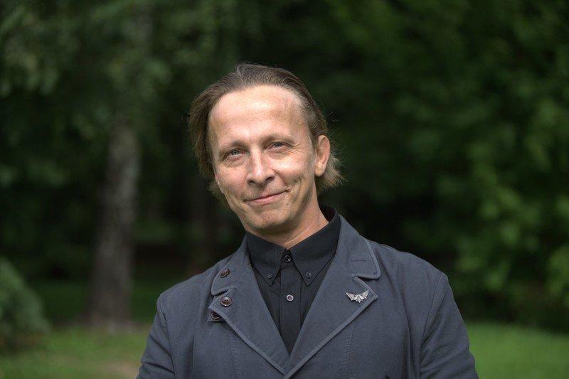 Автомобили звезды «Интернов»: на чём ездит Иван Охлобыстин?