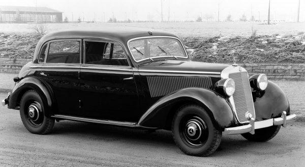 Mercedes-Benz 230 W143