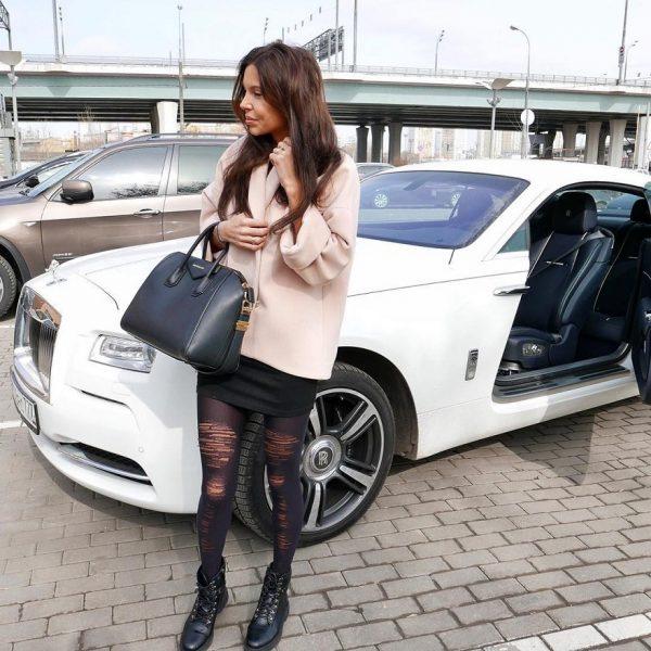 Какая машина у Оксаны Самойловой