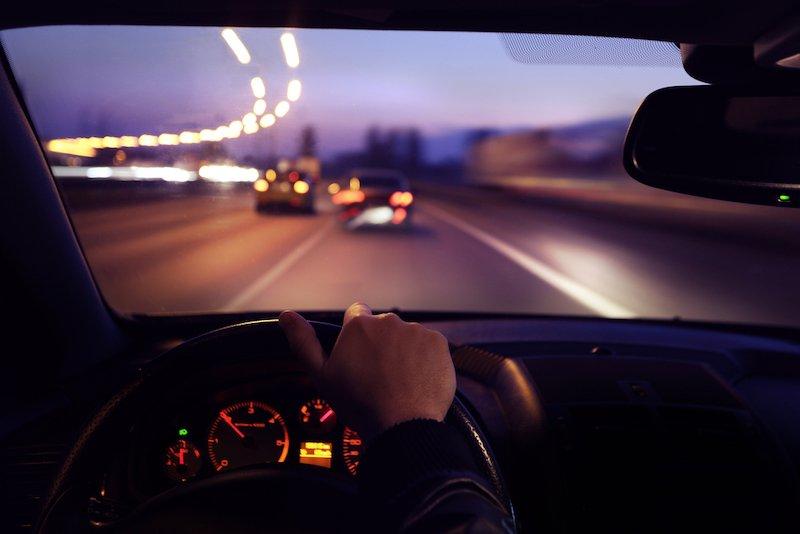 6 советов, которые помогут ездить в авто ночью без происшествий