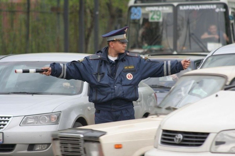 Проехать на красный: 5 случаев, когда водитель имеет полное право проехать на запрещающий сигнал светофора