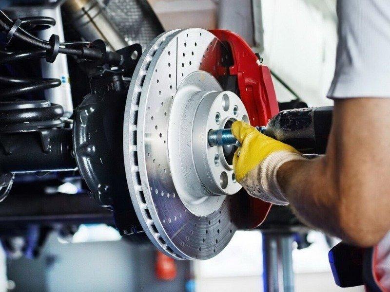Почему после ремонта тормозов машина тормозит хуже, даже если сделано все правильно