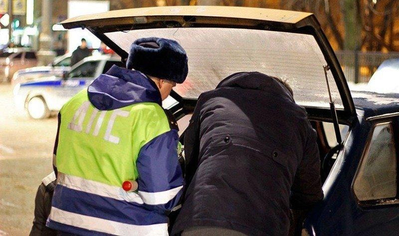 За какие вещи в багажнике водитель может лишиться денег, прав и даже свободы