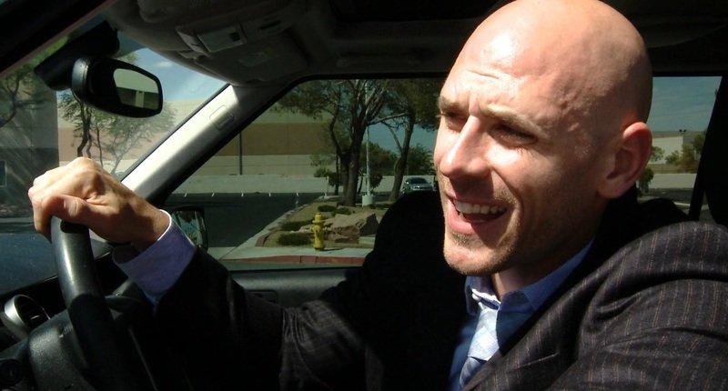 Машины лысого из Браззерс — какими авто увлекается Джонни Синс
