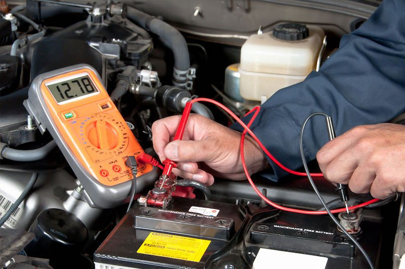 Почему в автомобилях применяется напряжение 12 вольт