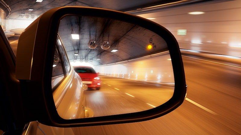 7 частых ошибок использования зеркал заднего вида