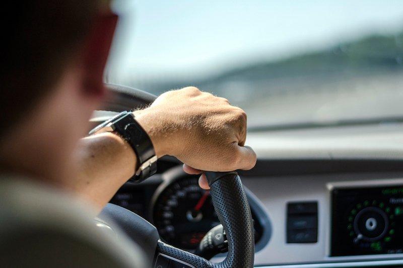 Почему спидометр размечен до недостижимой скорости