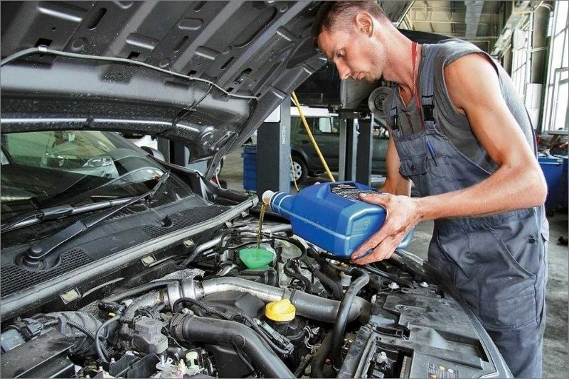 Почему вы не сможете купить 100% синтетическое моторное масло