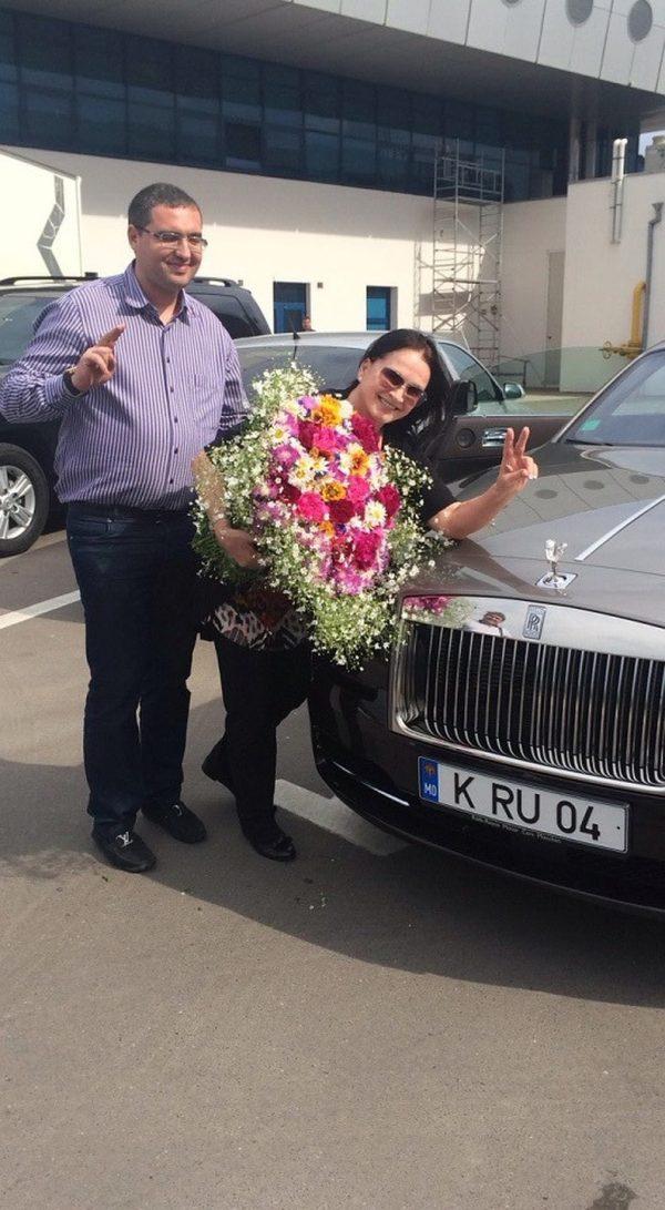 Машины Софии Ротару — на чем ездит самая яркая хуторянка России