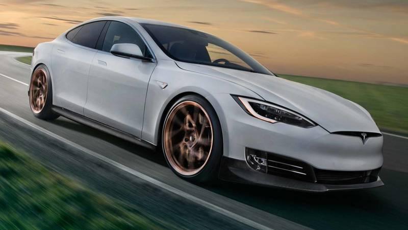 Tesla Model S побила рекорд Porsche Taycan