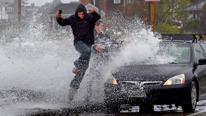 Будет ли наказание водителю, если автомобиль обрызгает пешехода