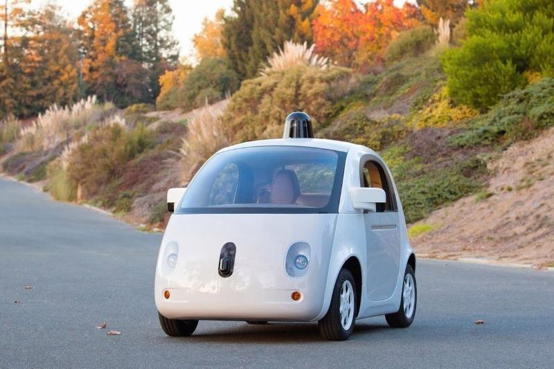 Почему беспилотные автомобили боятся ярких цветов